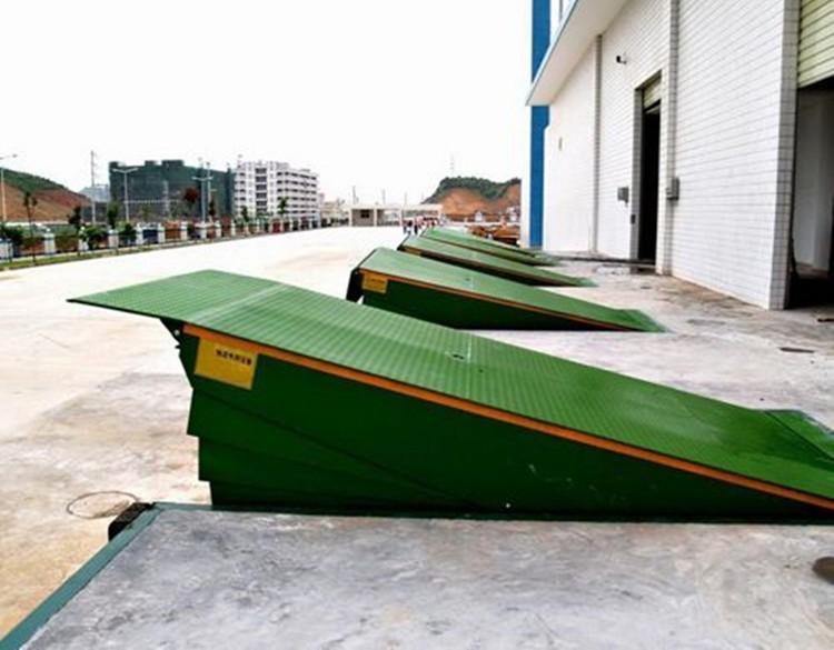 杭州移动式登车桥.集装箱装卸平台.液压登车桥