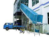 四楼物料传送设备输送机上下货传输带传送机;