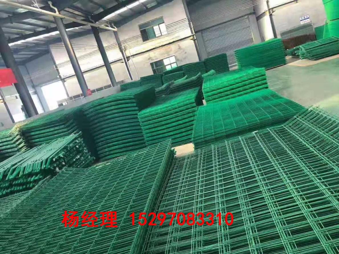 青海西宁公路护栏网价格青海世腾严格按照客户标准丝径达标西宁护栏网厂