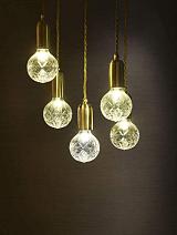 广州市鑫虹电子照明灯饰,把多元素融入灯饰