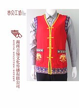 黎族服飾系列產品及海南本土文創工藝品;