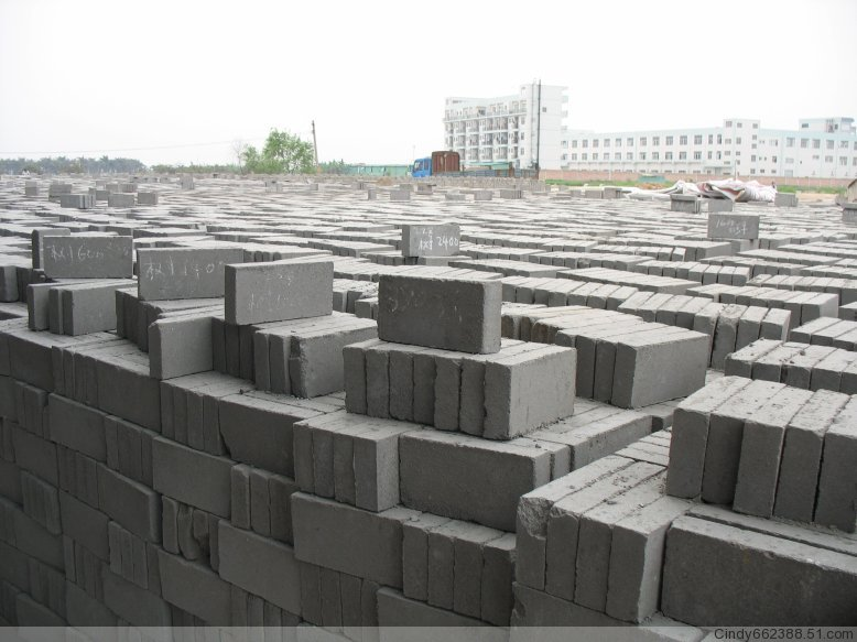 東莞混凝土實心磚,水泥磚,蒸壓加氣混凝土砌塊,加氣磚廠家直銷