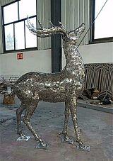 武昌不锈钢镂空字母鹿雕塑 别墅庭院景观镂空灯光鹿雕塑;