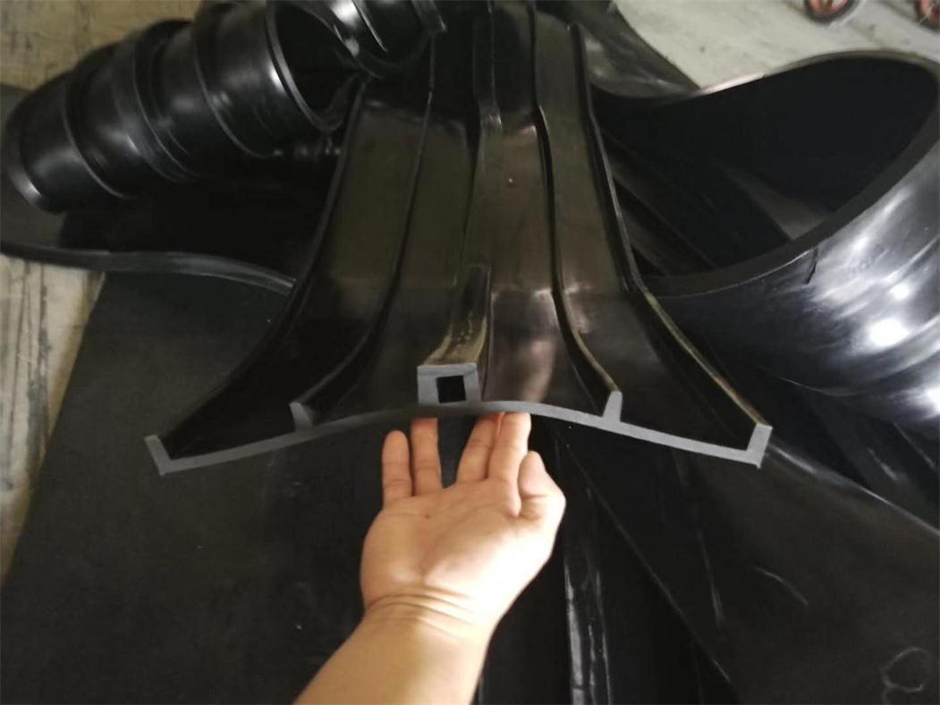 衡水背贴式橡胶止水带简介