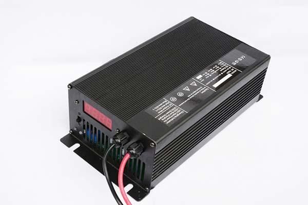铁锂电池充电器12V40A 汽车电瓶车巡逻车叉车堆高车电动车充电器充电机