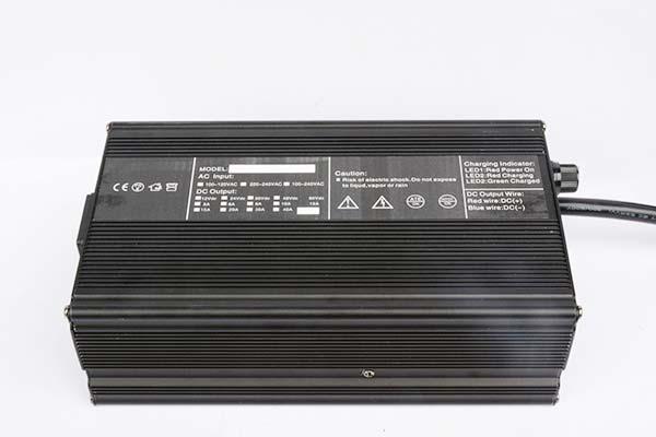湖北锂电池充电器厂家12V30A电动叉车充电器