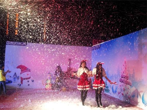 北京舞美特效:干冰机、气柱机、雪花机、泡泡机租赁
