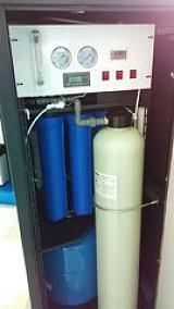 供应100L/H高纯水设备;
