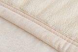 适合居家办公用的法兰绒毛毯来自江苏常熟馨格家纺;