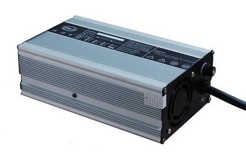 湖北充电器厂家直销60V10A锂电池电动车电动三轮车充电器