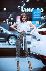 上海模特经纪公司上海新丝路模特公司