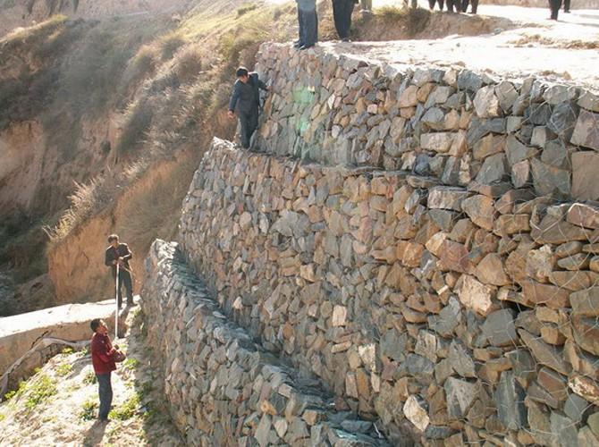 石笼网生产厂家 宾格石笼生产厂家