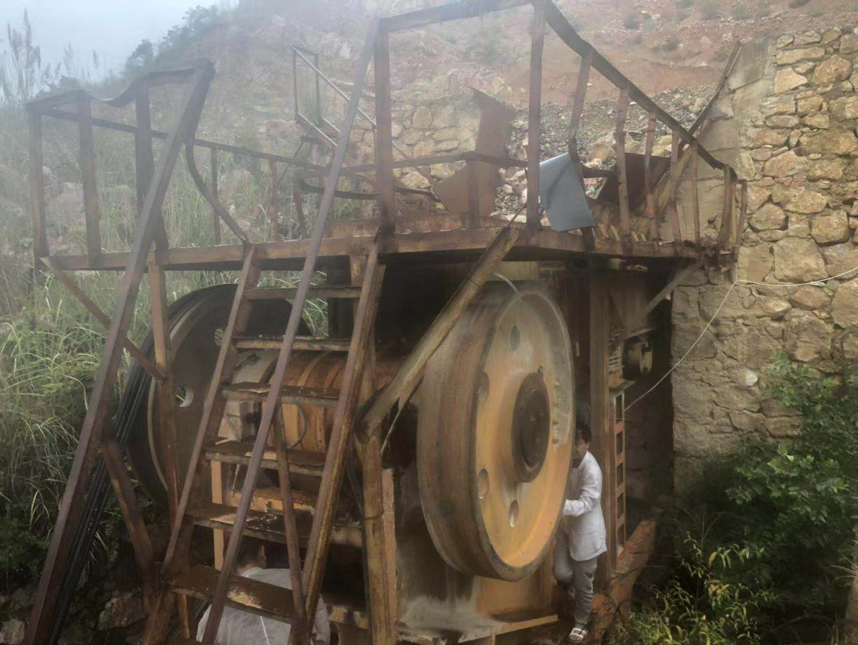 整套二手砂石料生产线vwin娱乐场上海路桥800*1060颚式破碎机出售