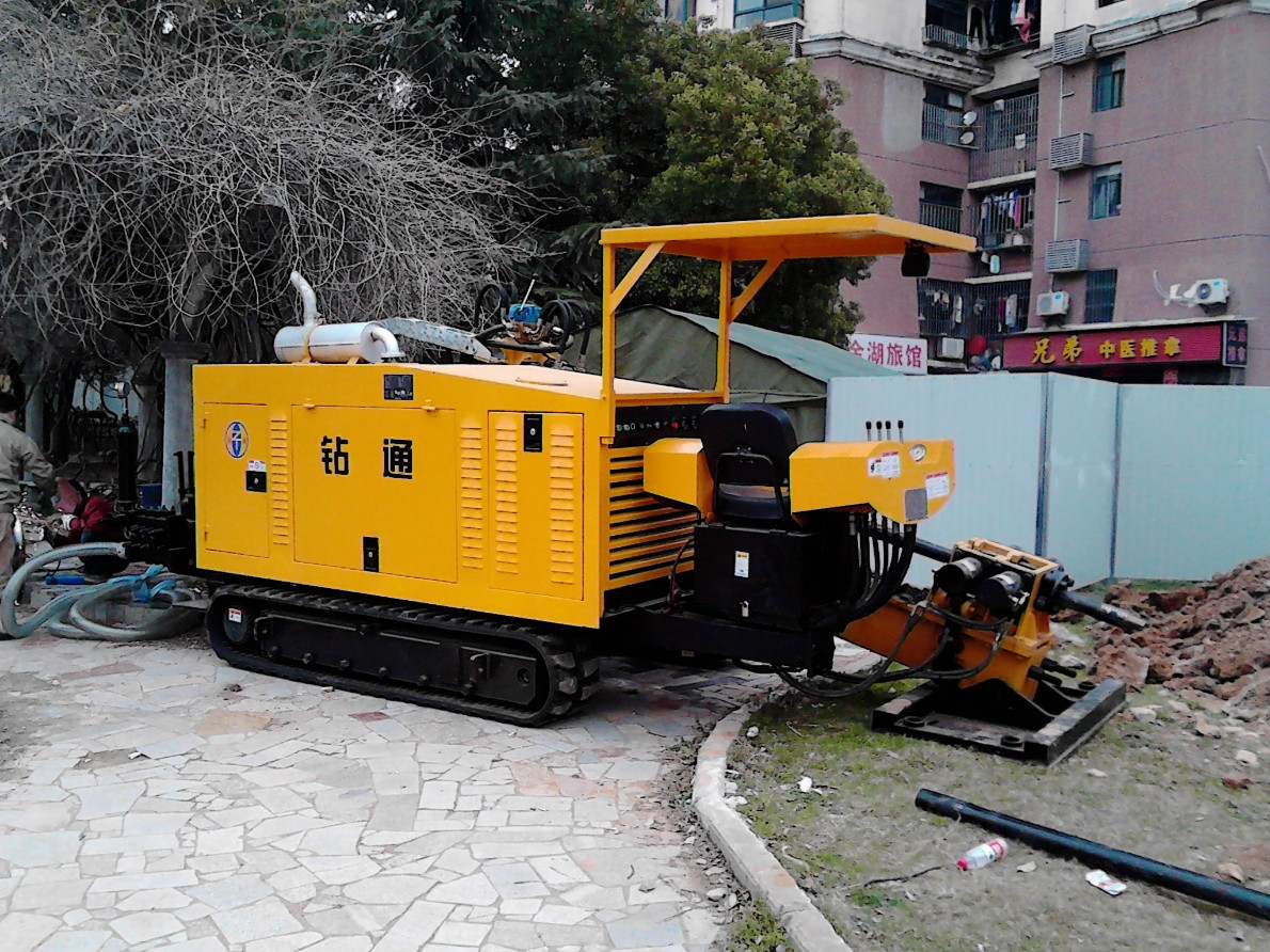 钻通25T非开挖铺管钻机