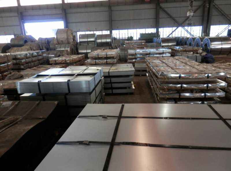 石家庄镀锌板厂家,鑫龙港钢铁,河北镀锌板经销商