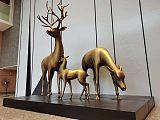 银川不锈钢烤漆组合鹿雕塑 景观鹿定制工厂