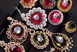珠寶玉石加工與營銷;