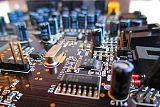 电子电器应用与〗维修专业;