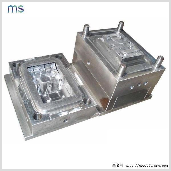 东莞精密塑胶连接器模具设计与制造厂家;
