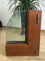 铝木门窗、铝包木门窗、纯木门窗;