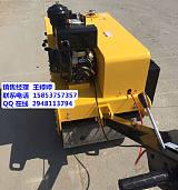 喀什市浩鴻小型壓路機座駕式瀝青壓實機回填土壓土;
