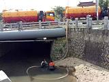 专业疏通下水道、河涌淤泥清理、污水厂过滤池清理、沉淀池清淤;