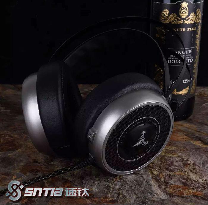 速钛V8振动耳机,USB接口,电脑网吧竞技游戏耳机耳麦厂家