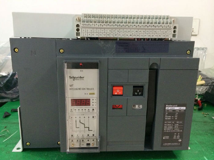 施耐德MVS16T框架智能断路器;