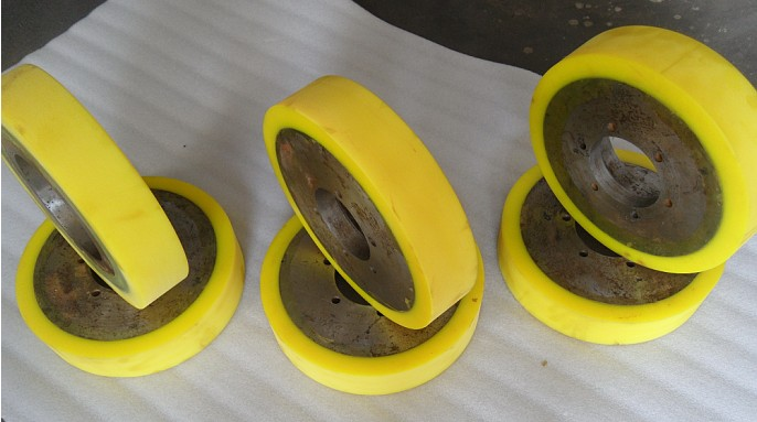 江西南昌聚氨酯滚轮,滚轮包胶,传动轮包胶,聚氨酯包胶;
