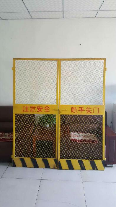 安平名丰护栏网厂施工电梯门大量现货13785820555;