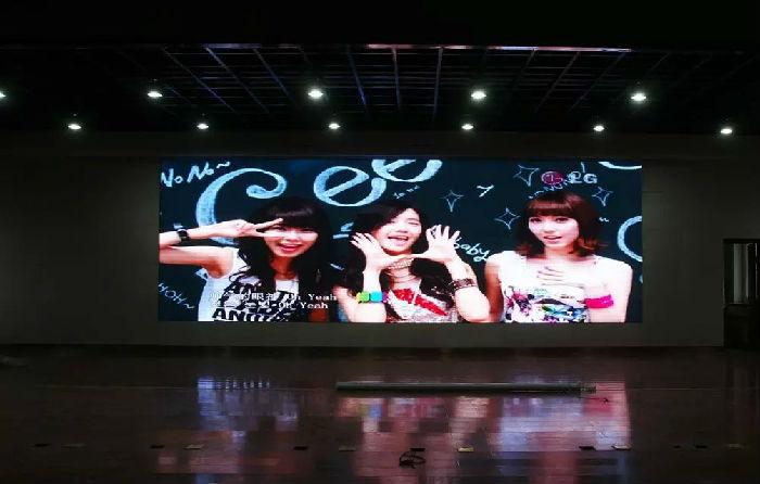 惠众宇供应贵州贵阳室内p4高清led显示屏总代理厂家直销;