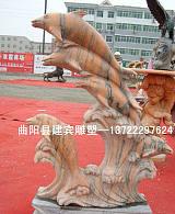供应天然石材精品海豚石雕制作厂家;