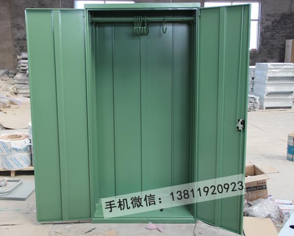 供应厂家北京工具柜带挂板五金置物柜1000乘500乘1800;