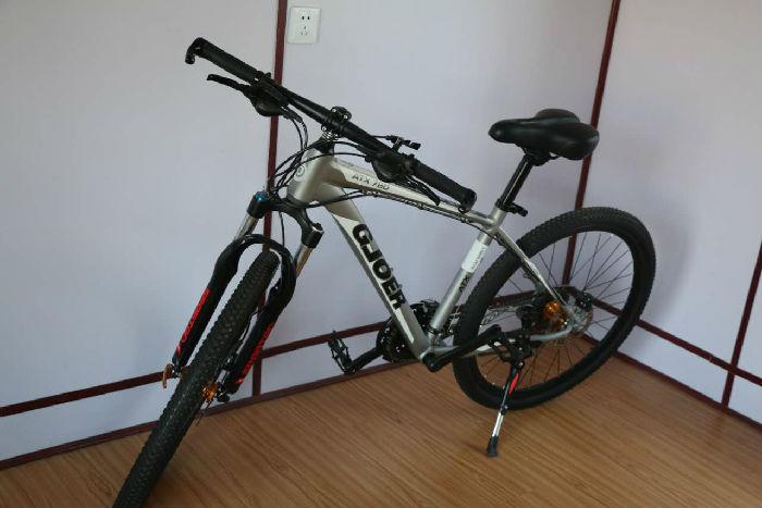 吉捷尔自行车;