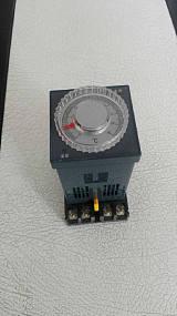 智能温湿度控制器;