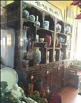 上海收购民国瓷器-上海解放时期老式衣服回收-民国物品回收