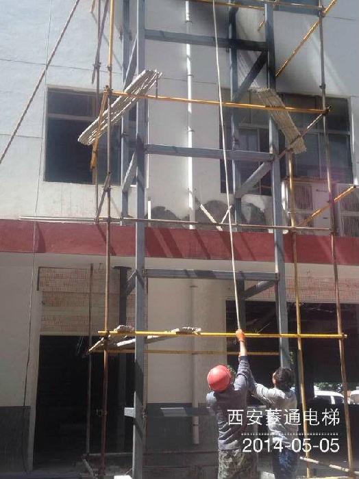 商洛钢结构电梯;
