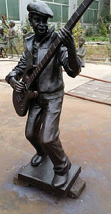 玻璃钢铜雕人物雕塑广场公园人物雕塑摆件雕塑厂家;