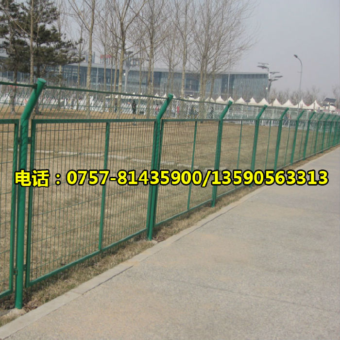 绿色框架护栏网 优质公路护栏网 园林护栏网;