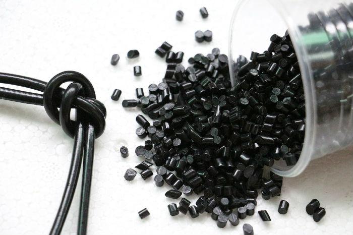 厂家直销软质pvc颗粒 黑色插头料 再生pvc注塑塑料颗粒