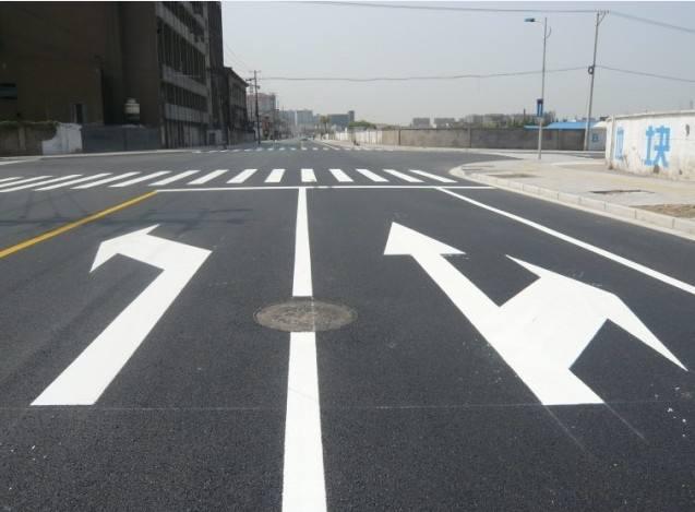 南京道路划线 南京达尊交通工程有限公司;