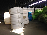 3吨卧式平底塑料水箱;