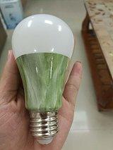 LED 节能灯泡;