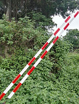 供应加工注塑挤出型材/塑料异型材/PVC吊线板拉线警示管;