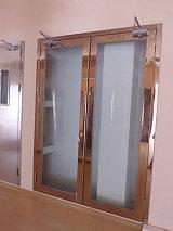 烟台钢质大玻璃防火门;