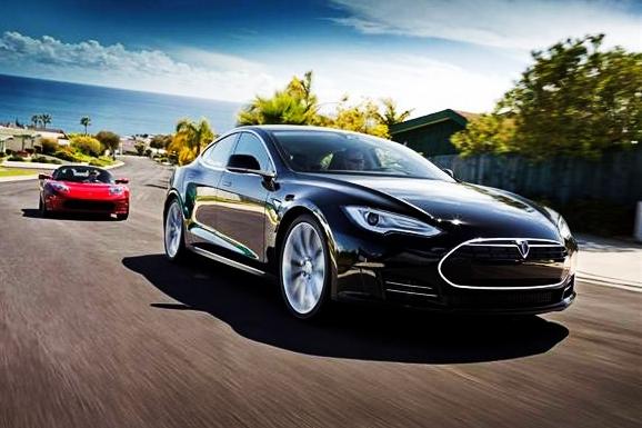 电动车主的福音,亚马逊新专利派无人机给行驶车辆充电