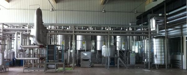 使用果汁饮料生产线设备时应该注意日常的维护